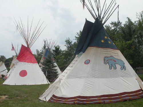 national-powwow-teepees